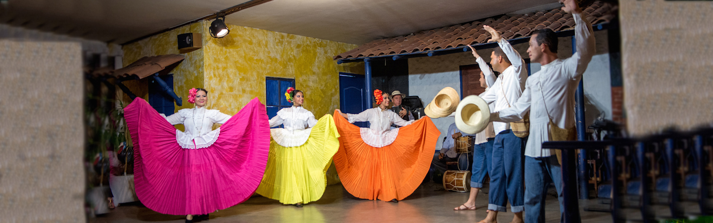 Panama Folkloric Dinner & Show