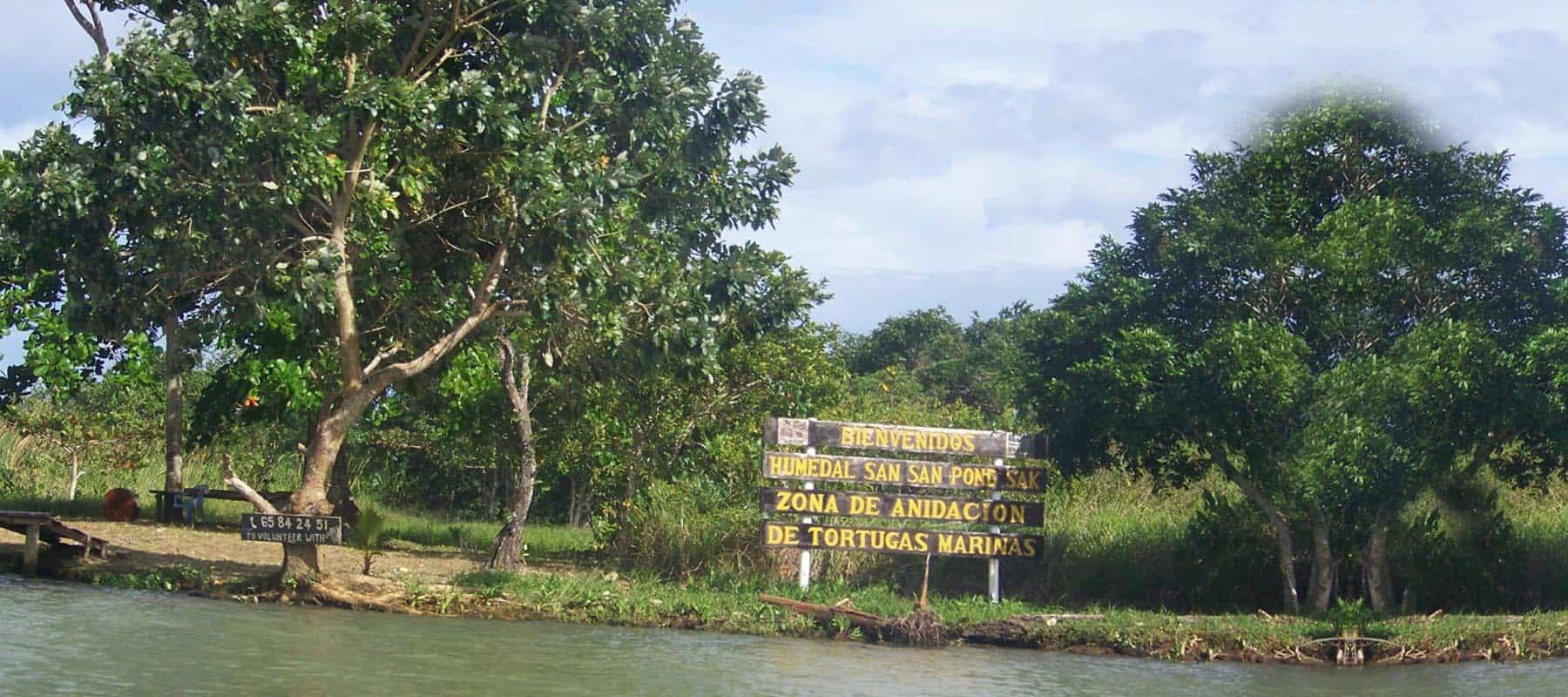 San San Pond Sak Manatee Tour
